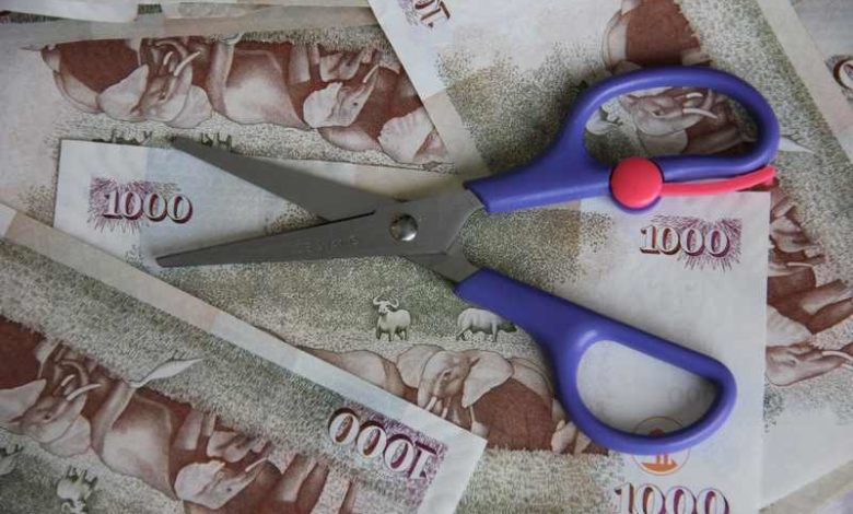 A scissor on 1000 Kenyan Shilling notes. Photo: RoGGKenya.org
