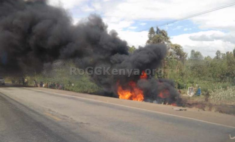 The Petrol Truck left buring alone along the Bungoma - Webuye road. Photo: RoGGKenya.org